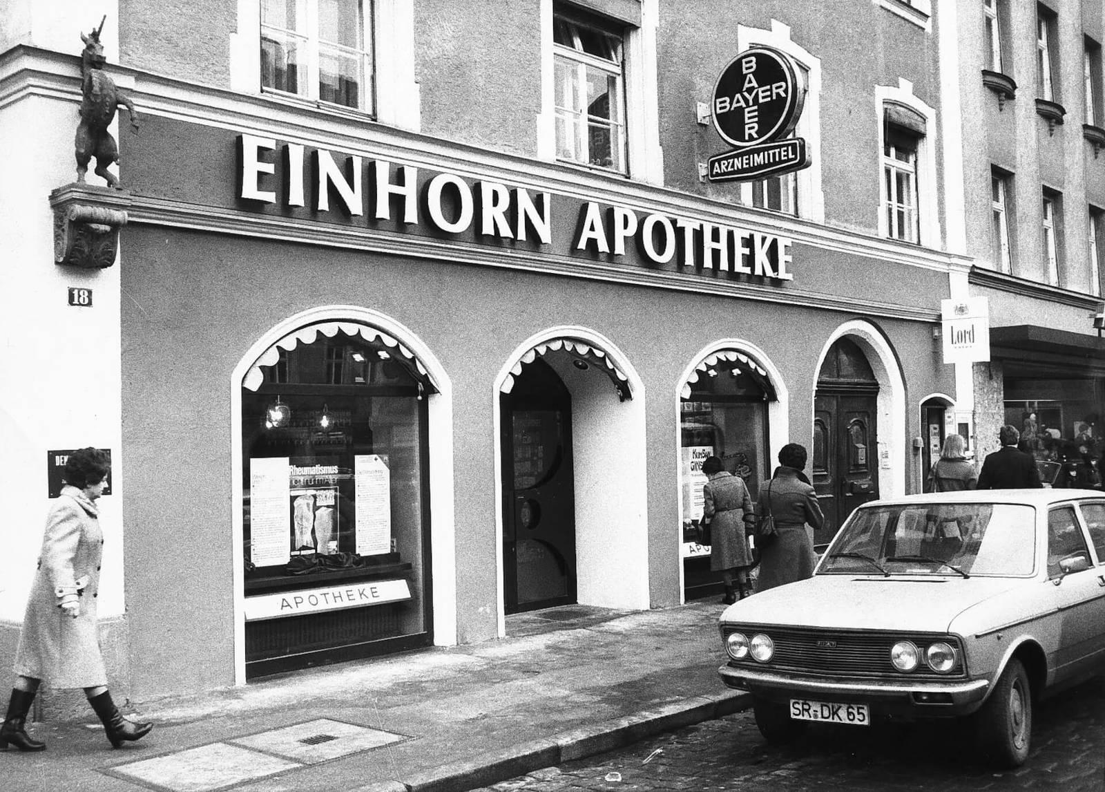 Altes Foto der Einhorn Apotheke, Straubing